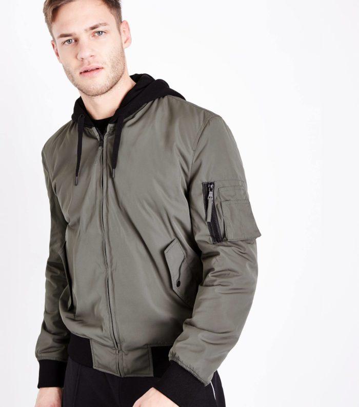 серая мужская куртка