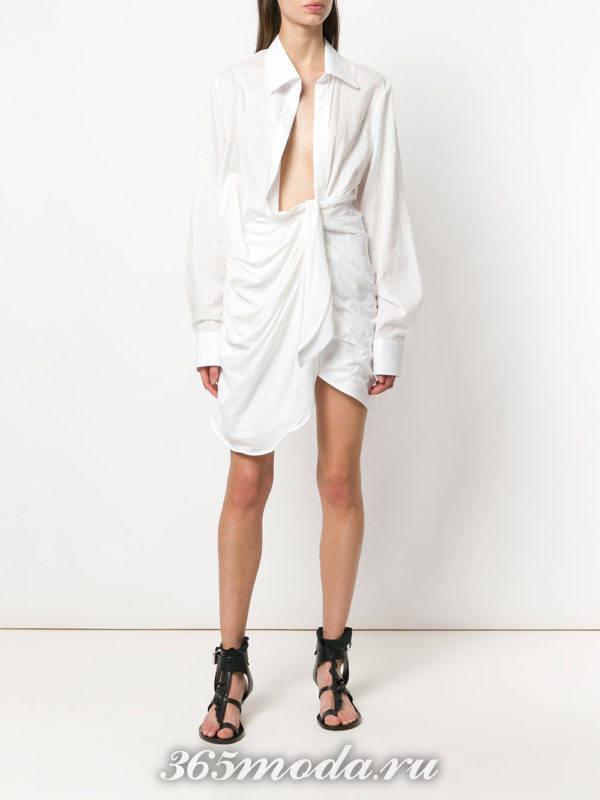 белое асимметричное платье-рубашка с вырезом