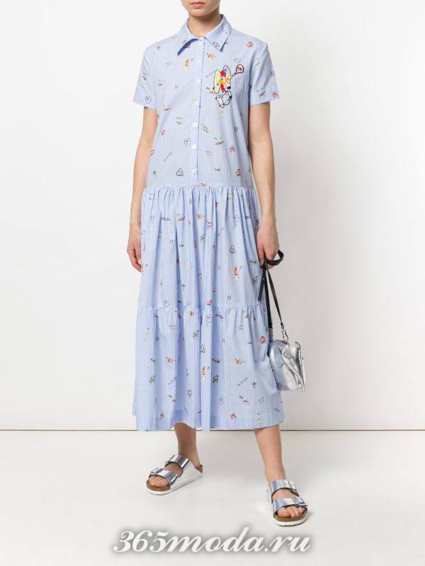голубое платье клеш с принтом
