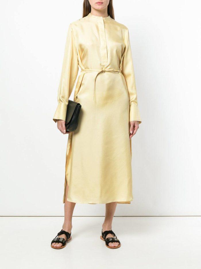желтое платье-рубашка с поясом