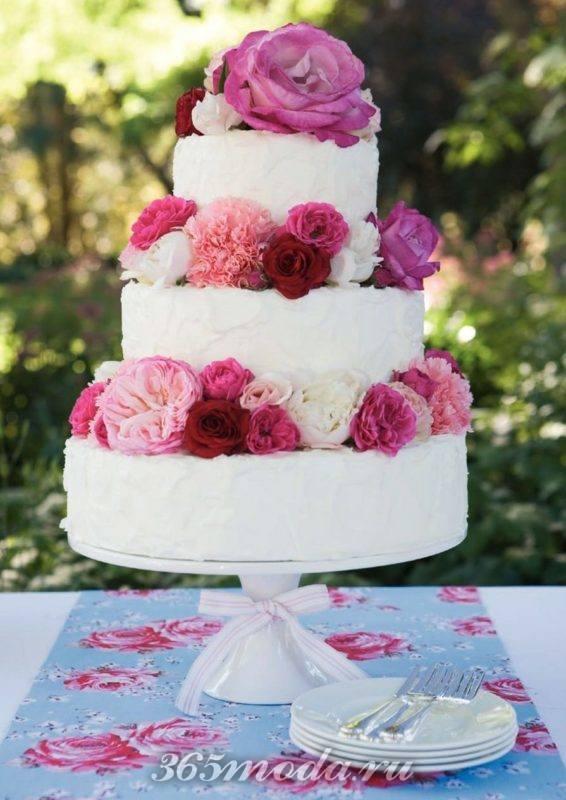 свадебный многоярусный торт марсала