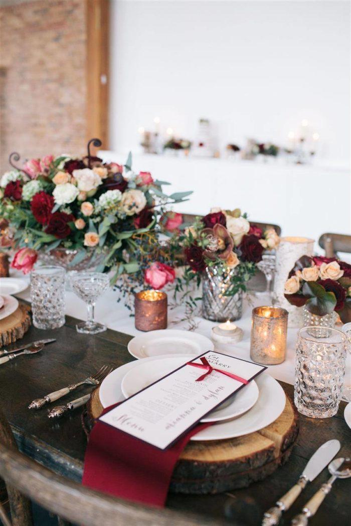 декор свадьбы марсала
