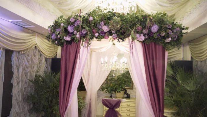 свадьба марсала украшение арки