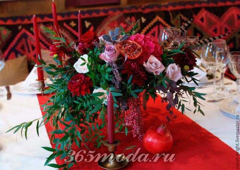 свадьба марсала цветочные композиции