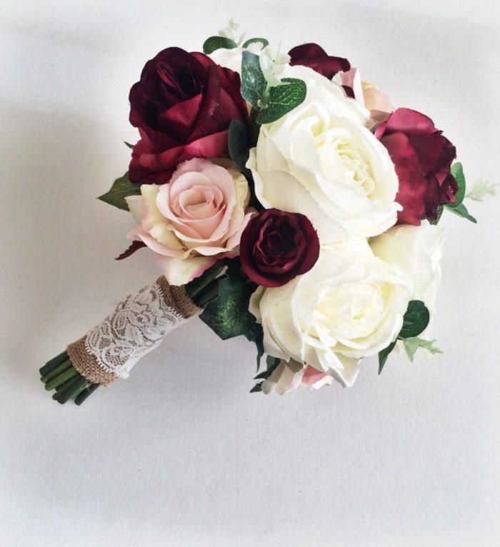 двухцветный свадебный букет