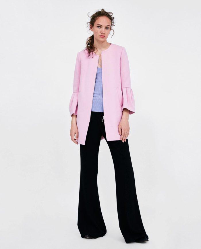 мода 2019-2020 года в женской одежде: розовое пальто
