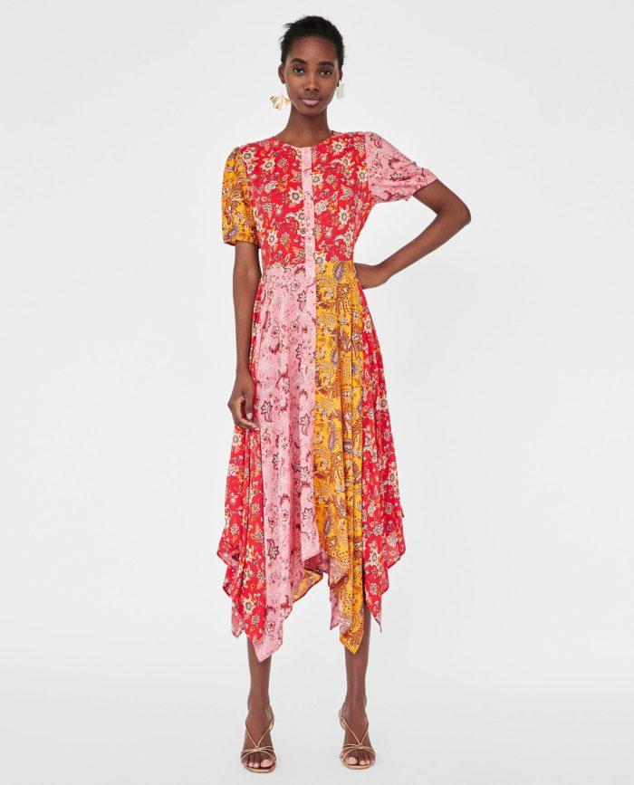 мода 2019-2020 года в женской одежде: цветастое платье
