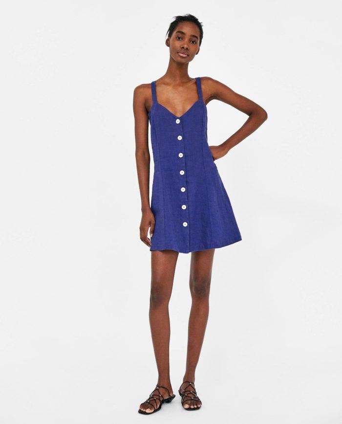 мода 2019-2020 года фото в женской одежде: синее платье
