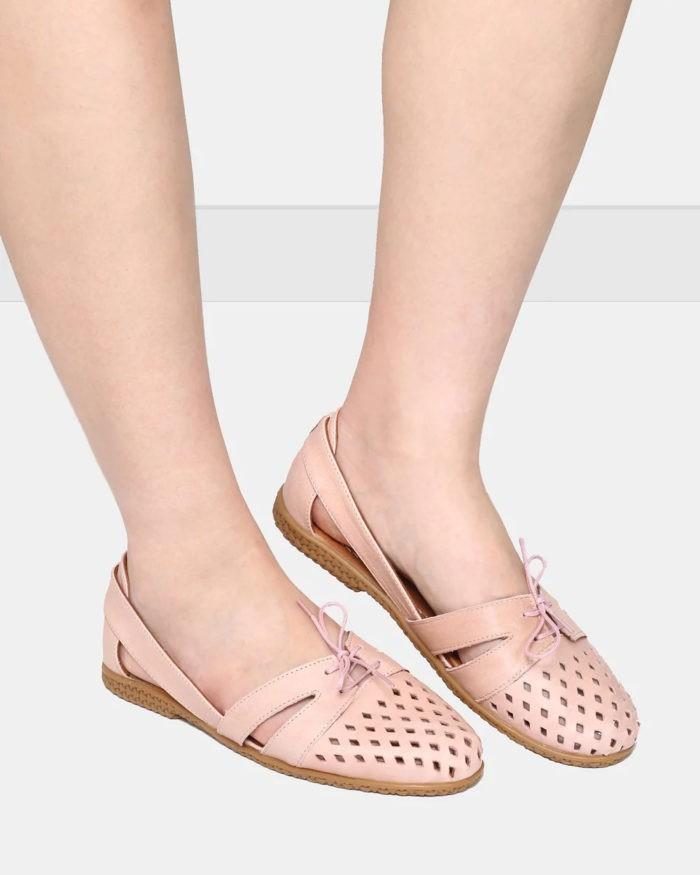 розовые сандали на плоской подошве кожаные