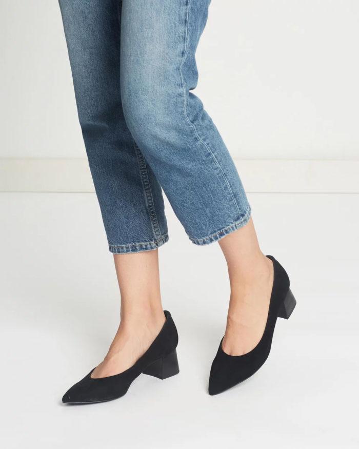 черные туфли на низком толстом каблуке