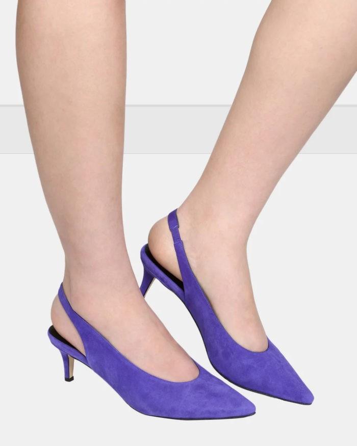 фиолетовые туфли на низкой шпильке