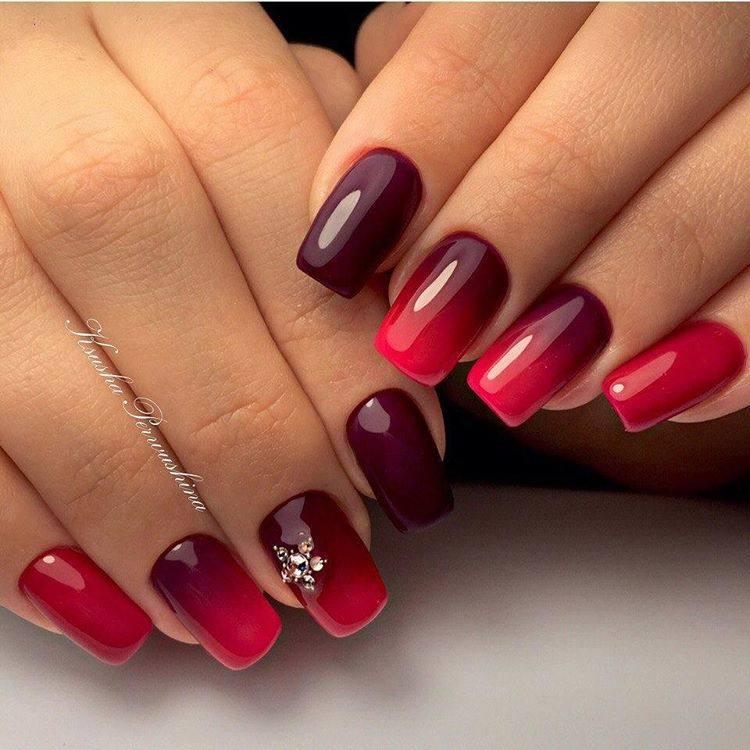 Красный градиент маникюр с дизайном фото